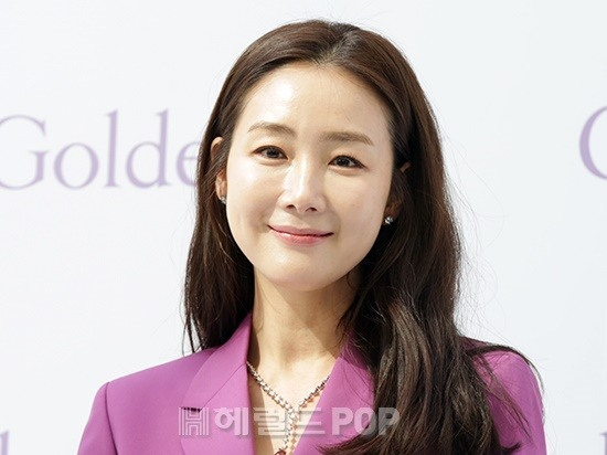 [단독]최지우, SNS 계정 오픈 → 딸 출시 + 소통 시작 .. 신애라, 양미라 환영